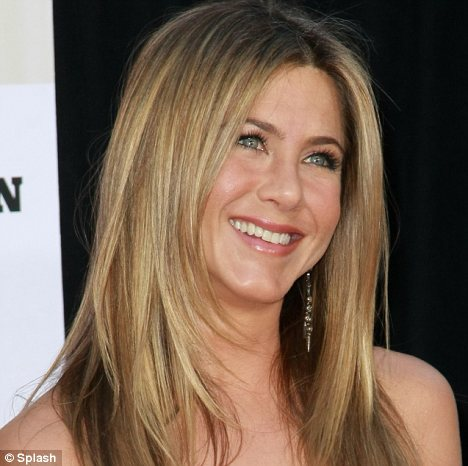 Cleansers and toners beautyboffin for Sofa jennifer aniston